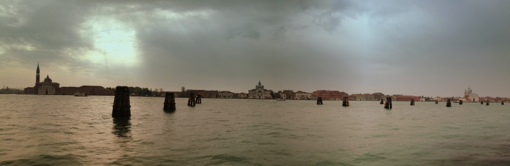it was raining, and this was a photo when we were in the boat, overlooking the island as we were approaching it..the boat had to make ways to the passing speed boats and that made the journey much slower, other than having to stop at several stops before reaching the main stop..which happened to be the last stop (san marco)..