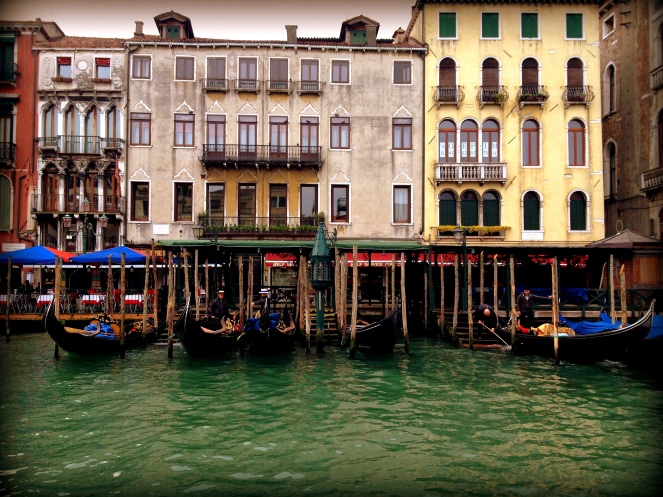 the gondola ride is EUR80 per ride and that's the cheapest it can go..pair up with fellow travelers so you can split the cost..and that's also the way to talk about the trip and exchange some very useful information!